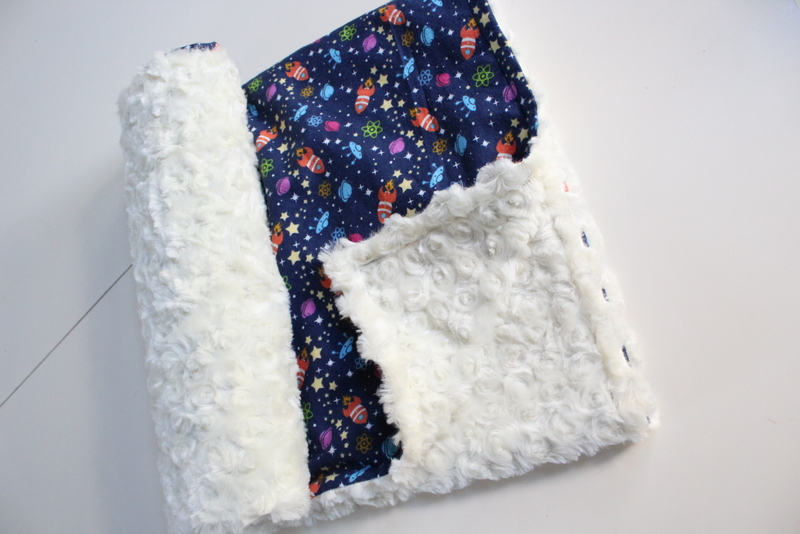 15 minute baby minky blanket sew what alicia for Space minky fabric